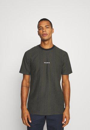 CRAZ SOCCER TEE - Print T-shirt - army green
