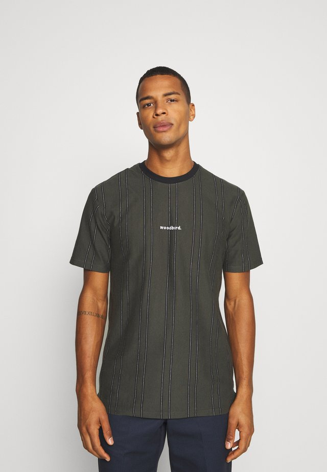 CRAZ SOCCER TEE - T-shirt con stampa - army green