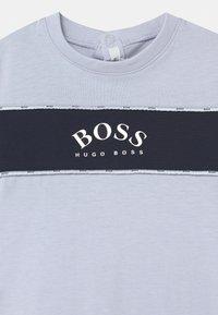 BOSS Kidswear - ALL IN ONE - Jumpsuit - pale blue - 2