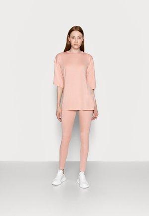 SET - Legíny - pink