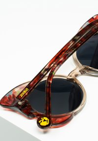 Zoobug - Sunglasses - crysta/red - 2