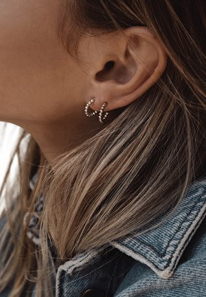 CHAMPAGNE HOOP EARRINGS - Earrings - silver