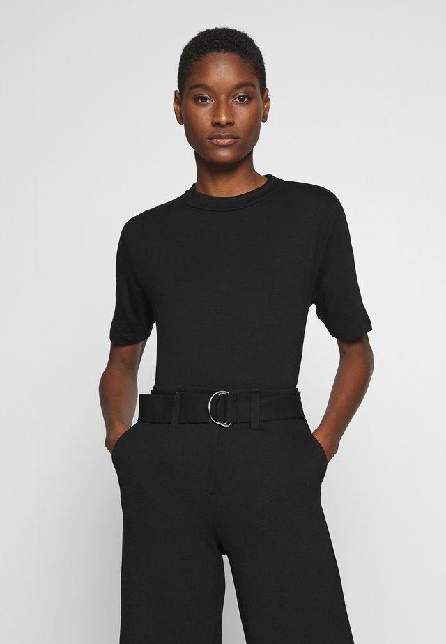 KUMI - T-shirt basic - black