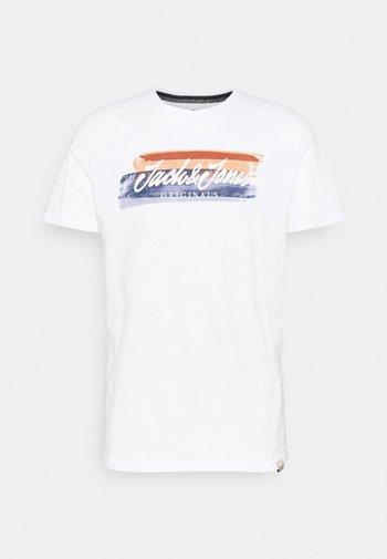 JORCALIBRUSH TEE CREW NECK - Print T-shirt - white