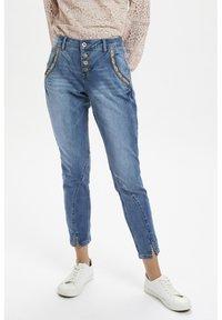 Cream - CRHOLLY - Slim fit jeans - light blue denim - 0
