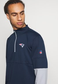 Nike Performance - NFL NEW ENGLAND PATRIOTS TEAM HALF ZIP THERMA - Club wear - college navy/wolf grey - 3
