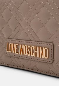 Love Moschino - BORSA - Across body bag - grigio - 4
