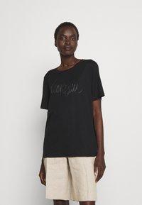 Marc Cain - Print T-shirt - black - 0
