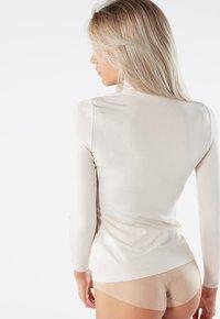 Intimissimi - LANGARM-SHIRT AUS MIKROMODAL MIT ROLLKRAGEN - Long sleeved top - seta - 1