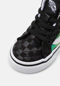 Vans - SK8 ZIP UNISEX  - High-top trainers - black/true white - 5