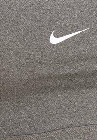 Nike Performance - INDY BRA NON PAD - Brassières de sport à maintien léger - carbon heather - 6