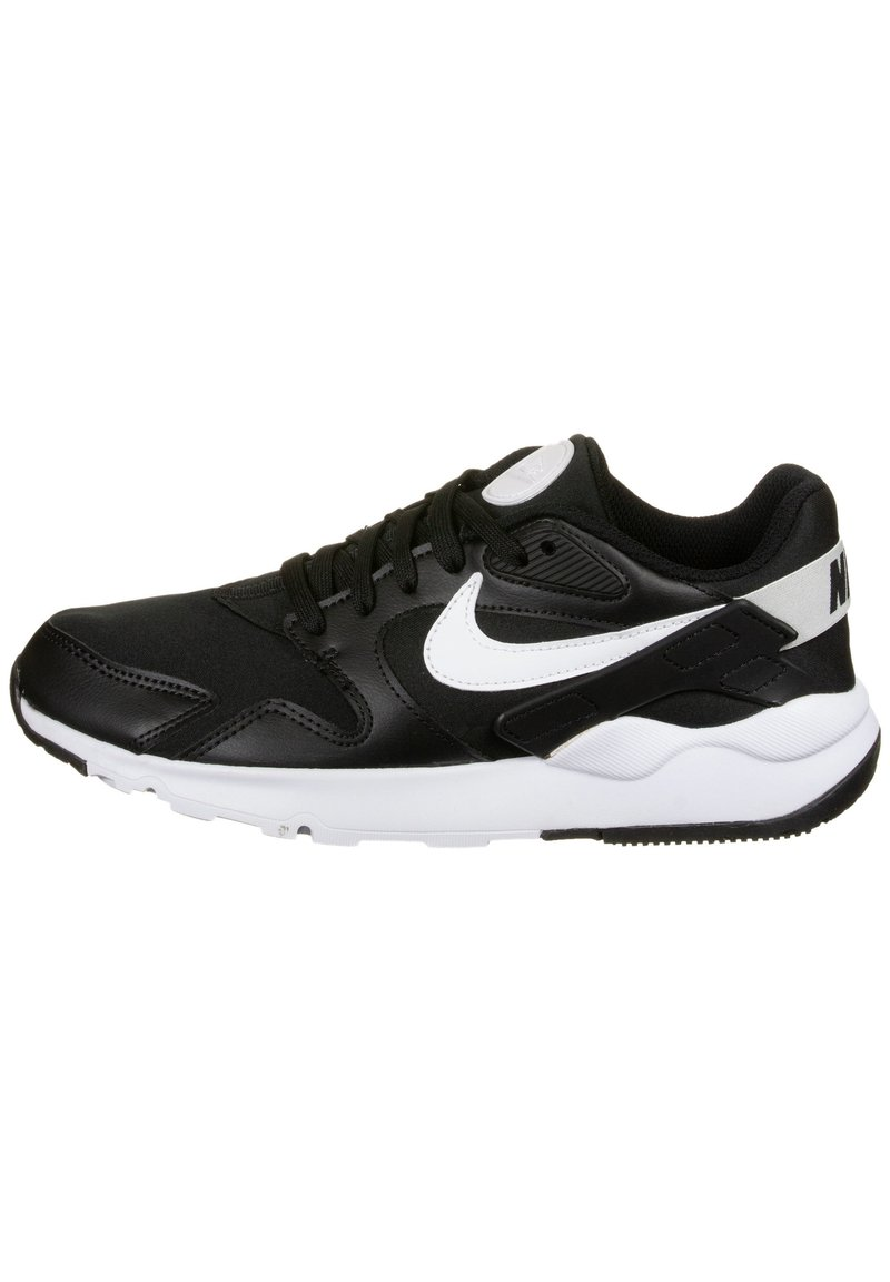 Nike Sportswear - LD VICTORY SNEAKER DAMEN - Sneakersy niskie - black / white