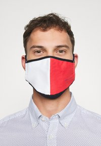 Tommy Jeans - UNISEX  FLAG FACE COVER - Látková maska - red/white/blue - 3