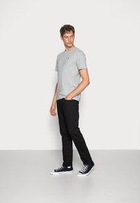 Scotch & Soda - Basic T-shirt - grey melange - 1