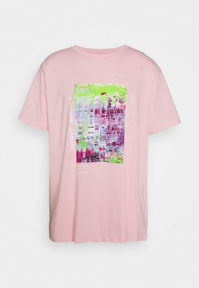UNISEX ELIJAH - Printtipaita - pink