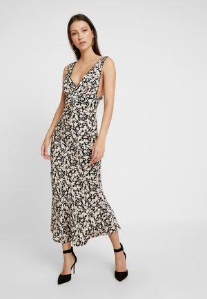 OHH LA LA BIAS MIDI DRESS - Jersey dress - black