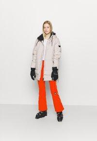 O'Neill - BLESSED PANTS - Pantalon de ski - fiery red - 1