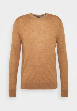 NEW BASIC CREW - Stickad tröja - camel melange