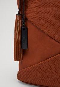 SURI FREY - ROMY - Handbag - cognac - 3
