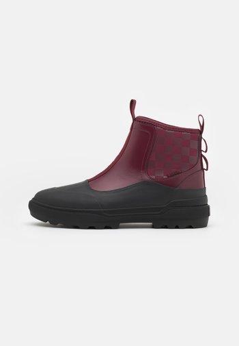 COLFAX  - Boots à talons - ainara aymat/pomegranate