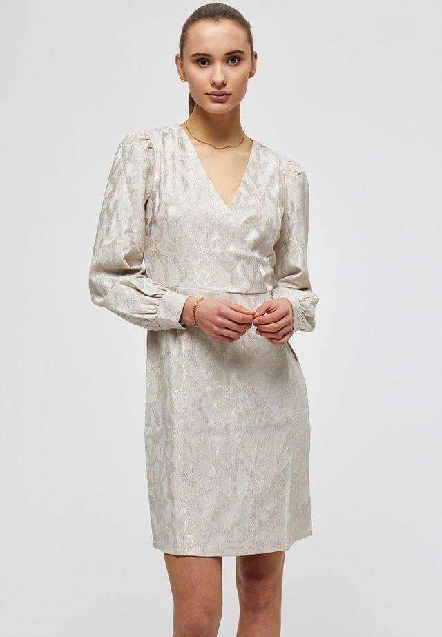 SABINA  - Robe de soirée - champagne