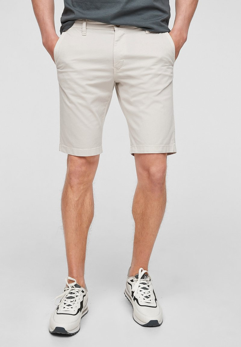 s.Oliver - Shorts - offwhite