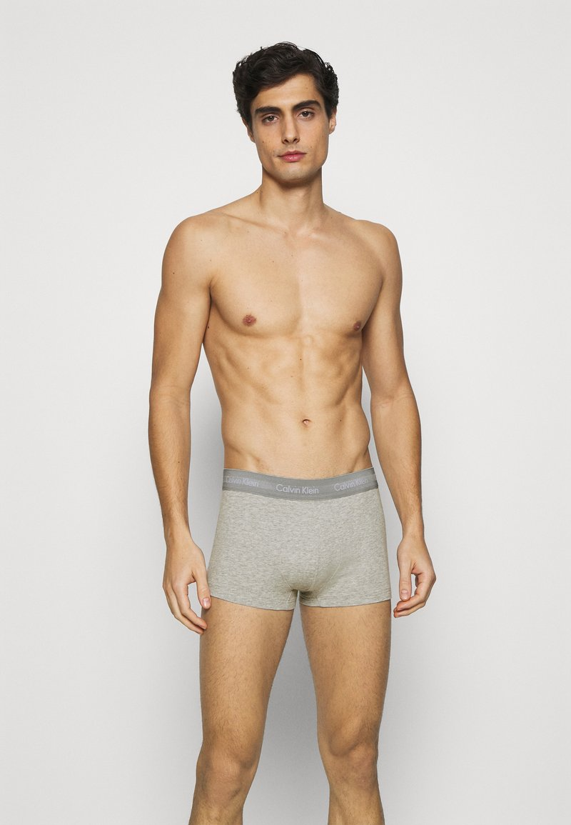Calvin Klein Underwear - STRETCH LOW RISE TRUNK 3 PACK - Pants - grey/red/blue