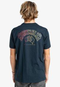 Billabong - Print T-shirt - navy - 1
