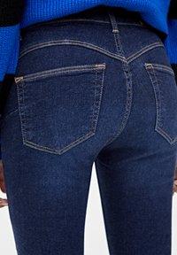 PULL&BEAR - PUSH UP - Jeans Skinny Fit - mottled dark blue - 4