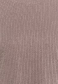 Missguided Plus - PLUS SHOULDER PAD  - Print T-shirt - brown - 2