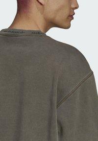 adidas Originals - Sweatshirt - brown - 5