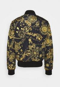 Versace Jeans Couture - REGALIA BAROQUE - Blouson Bomber - nero + oro - 3