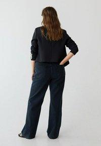 Violeta by Mango - Flared jeans - intensives dunkelblau - 2