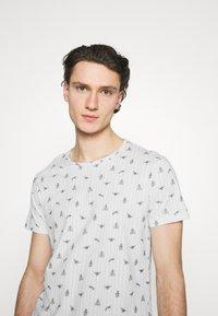 Blend - TEE  - T-shirt med print - snow white - 3