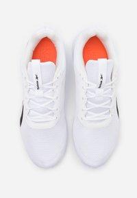 Reebok - FLEXAGON ENERGY 2.0 MT - Obuwie do biegania treningowe - white/pink/black - 3
