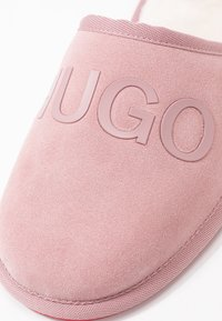 HUGO - COZY - Kapcie - light pink - 2