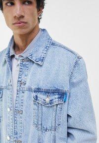 Bershka - Veste en jean - light blue - 3