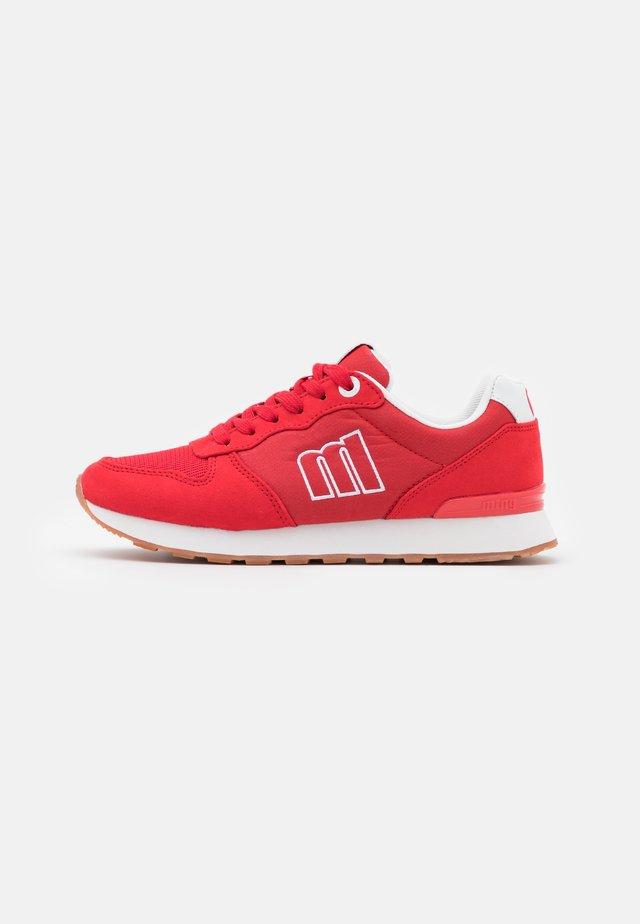 JOGGO - Sneakers laag - rojo