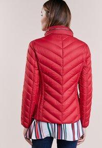 MICHAEL Michael Kors - SHORT PACKABLE PUFFER - Down jacket - red - 2