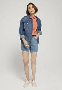 TOM TAILOR DENIM - Denim shorts - clean mid stone blue denim - 1