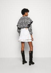 See by Chloé - Denimová sukně - confident white - 2