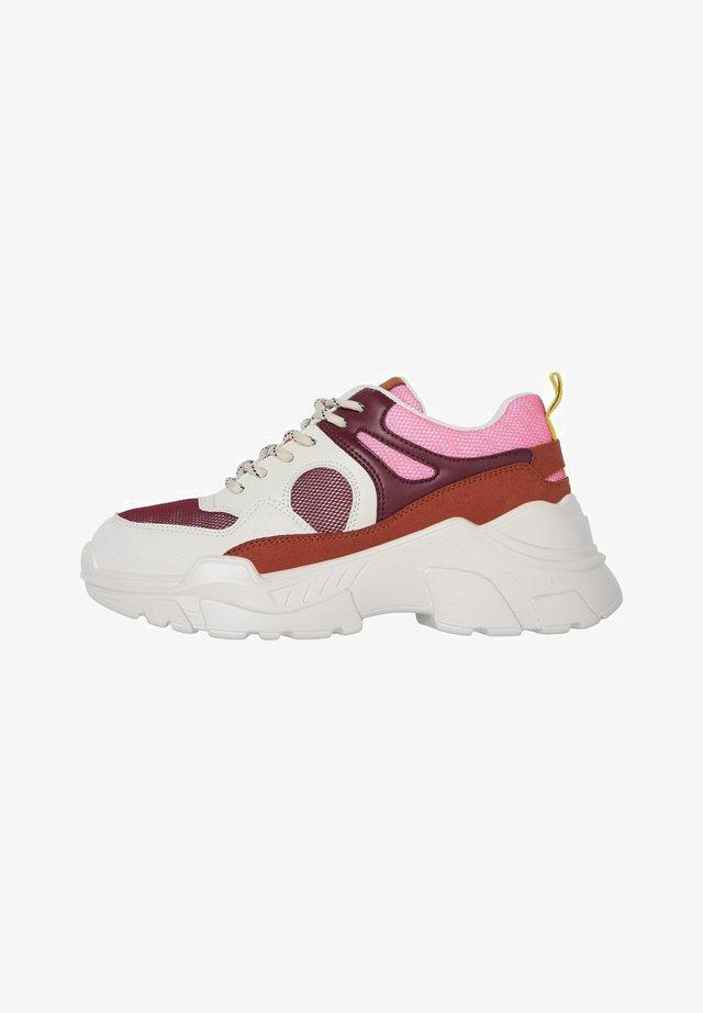 VMMATHILDE  - Sneakers laag - cabernet