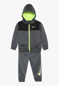 Nike Sportswear - BABY SET  - Træningssæt - dark gray - 0