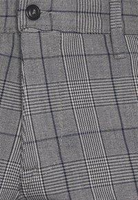 Selected Homme - SLHSLIM STORM FLEX SMART PANTS - Pantaloni - grey/blue - 3