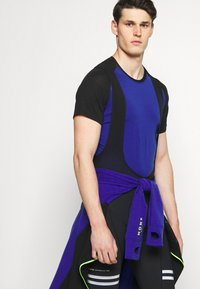 Mons Royale - TEMPLE TECH  - Jednoduché triko - ultra blue/black - 4
