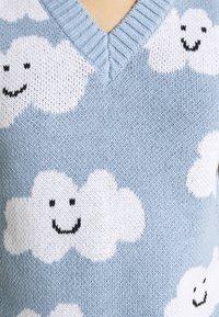 Monki - Jersey de punto - blue with clouds - 5