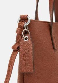 TOM TAILOR DENIM - TESSA - Handbag - cognac - 3