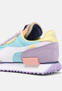 Puma - FUTURE RIDER SLASH - Baskets basses - light lavender/pink lady - 7