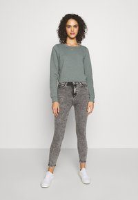 ONLY - ONLWENDY ONECK - Sweatshirt - balsam green - 1