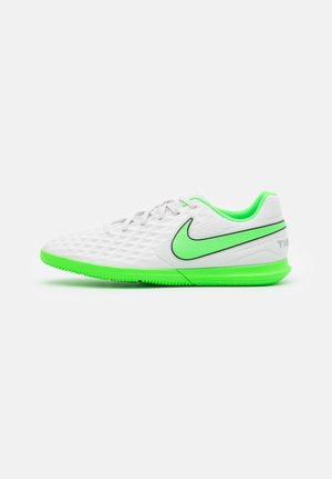 TIEMPO LEGEND 8 CLUB IC - Indoor football boots - platinum tint/rage green